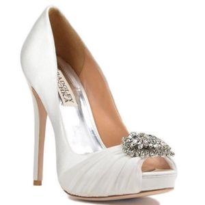 Badgley mischka white wedding heels